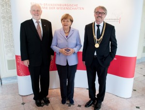 From left to right: Martin Grötschel, designated President of the Berlin-Brandenburg Academy of Sciences and Humanities; Angela Merkel,German Chancellor; Günter Stock, ALLEA President Photo: BBAW, news aktuell, Oliver Mehlis