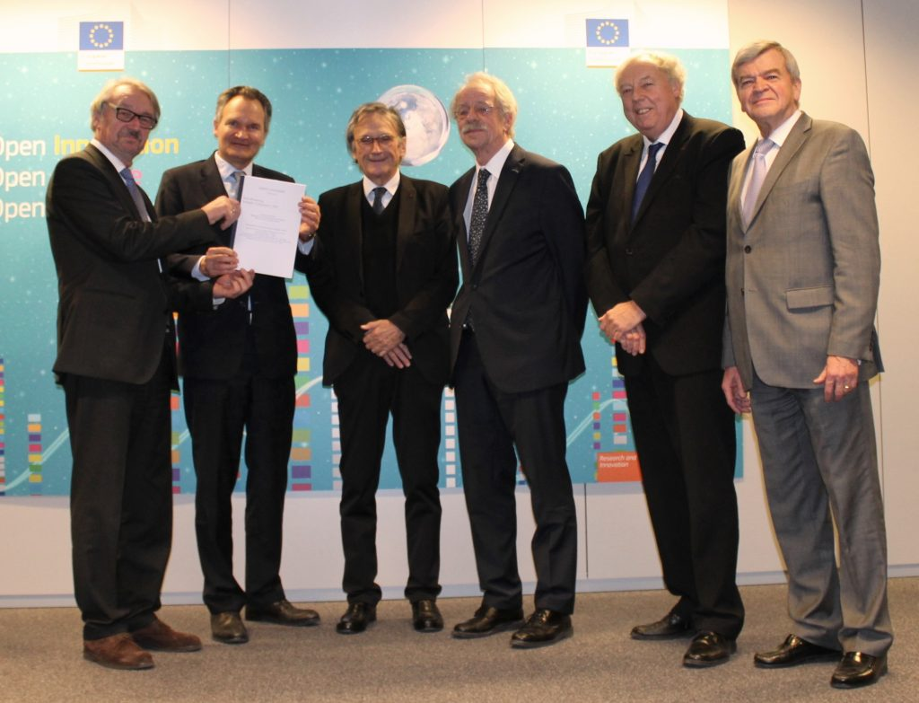 From left to right, Günter Stock (ALLEA), Robert-Jan Smits (EC Directorate-General for Research and Innovation), Bernard Charpentier (FEAM), Jos van der Meer (EASAC), Sierd Cloetingh (Academia Europaea), and Jacques Lukasik (Euro-CASE). Credit: European Commission
